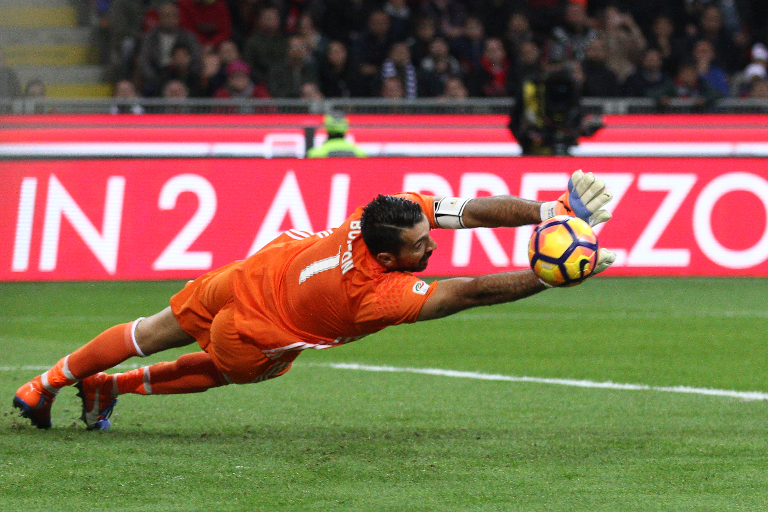 buffon and casillas lead the golden generation of goalkeepers